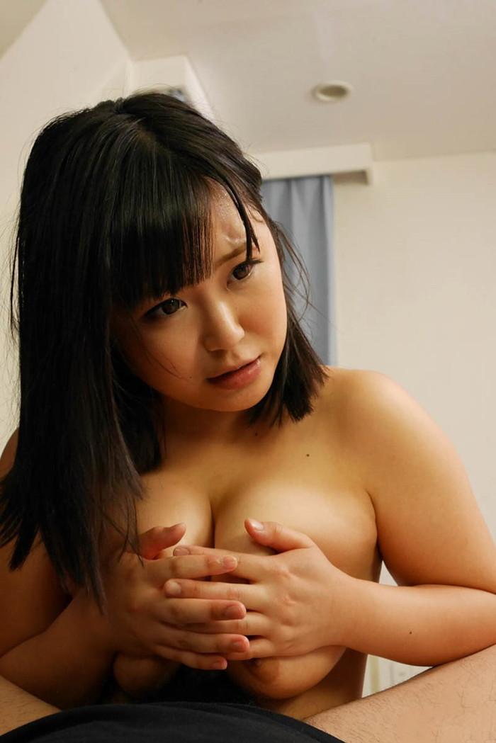 【パイズリエロ画像】女性の象徴であるおっぱいを使っての男性器への奉仕プレイ! 09