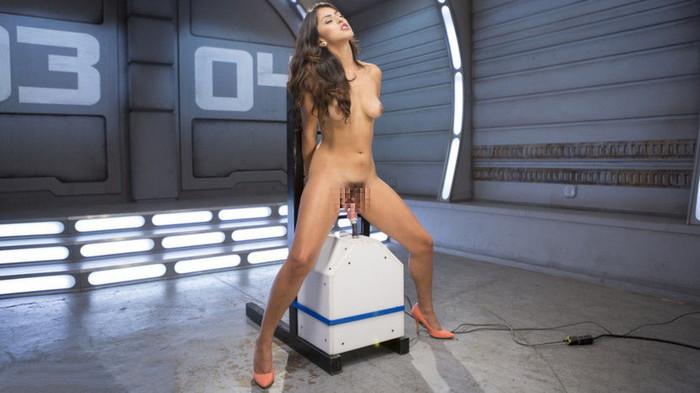 【ファッキングマシーンエロ画像】機械と人間のセックスだと!?マシンに犯される女性たち! 19