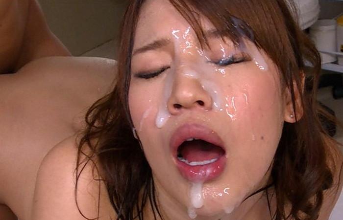 【顔射エロ画像】ほとばしる男汁で女の子のすました顔を征服せよ!www 20