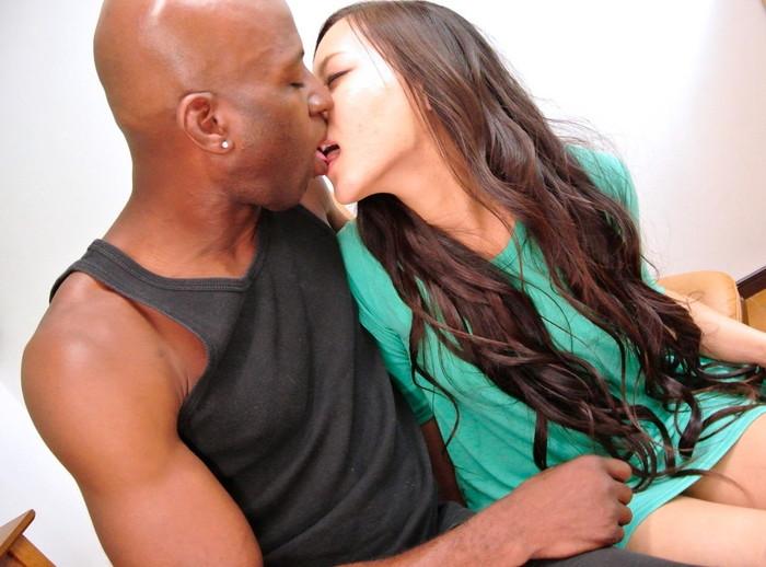 【黒人男性vs日本人女性エロ画像】巨大チンポの黒人と日本人女性の激しすぎるセックス! 20