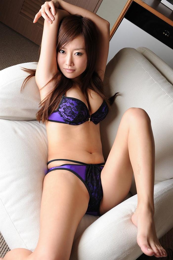 【セクシーランジェリーエロ画像】女性の身体をセクシーに魅力的に演出! 18