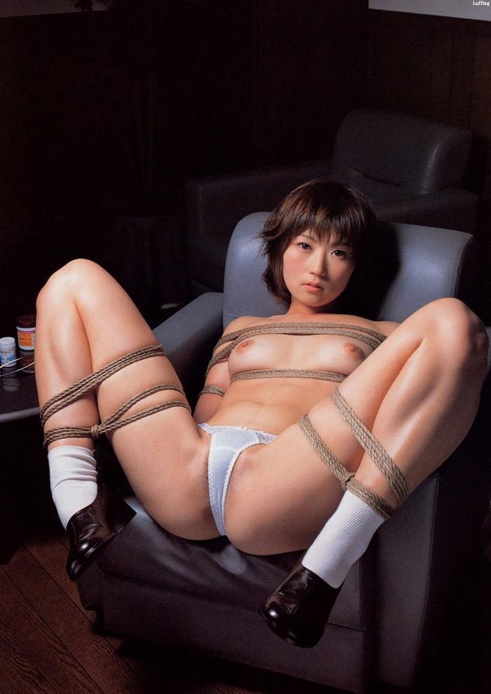 【SM緊縛エロ画像】全身をロープで縛られた自由の利かない女の子の姿に勃起したww 22