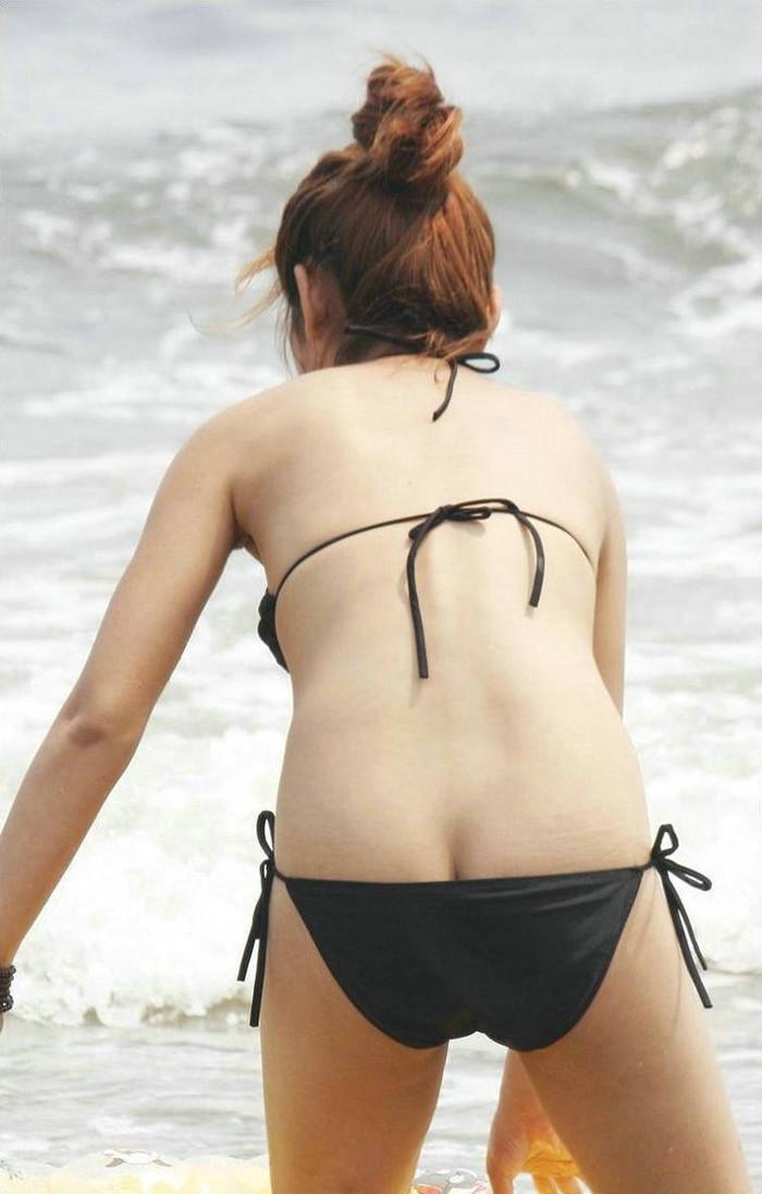 【水着ハプニングエロ画像】水着の女の子観察→ラッキー!見えた!っていうやつww 18