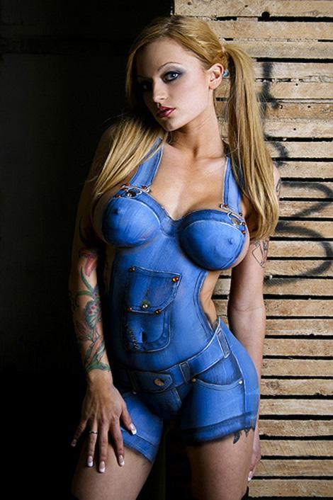 【ボディーペイントエロ画像】一見すると普通の女の子が実は全裸だったwww 12