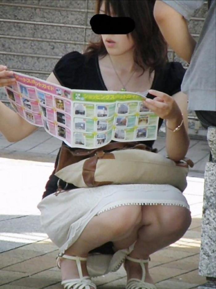 【街撮りパンチラエロ画像】偶発的な素人娘たちのパンチラ画像って良いよな!? 22