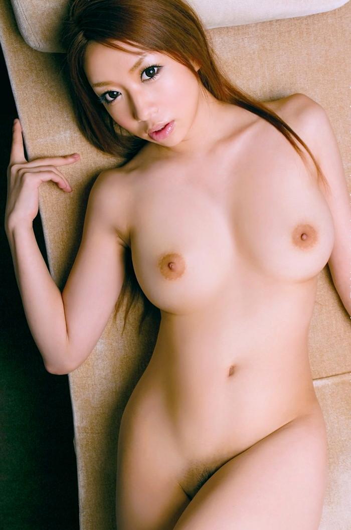 【巨乳エロ画像】女性の象徴といわれるおっぱい!存在感たっぷり巨乳女子!w 12