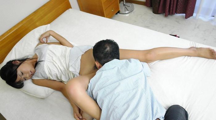 【クンニリングスエロ画像】オマンコ舐めるの好きなやつ!よって来いwww 26