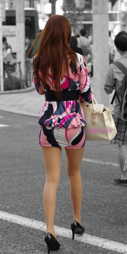 【素人美脚エロ画像】街中を歩く素人娘たちの美味しそうな美脚に妄想大爆発!?w 12