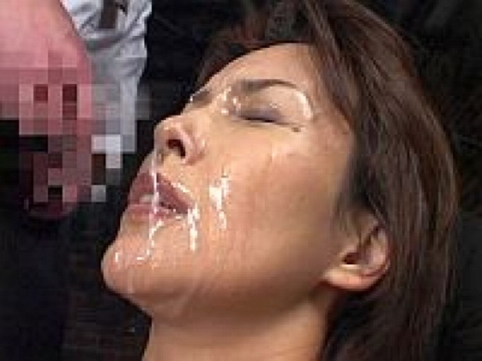 【顔射エロ画像】可愛い女の子の顔にたっぷりザーメンぶっかけたったww 12