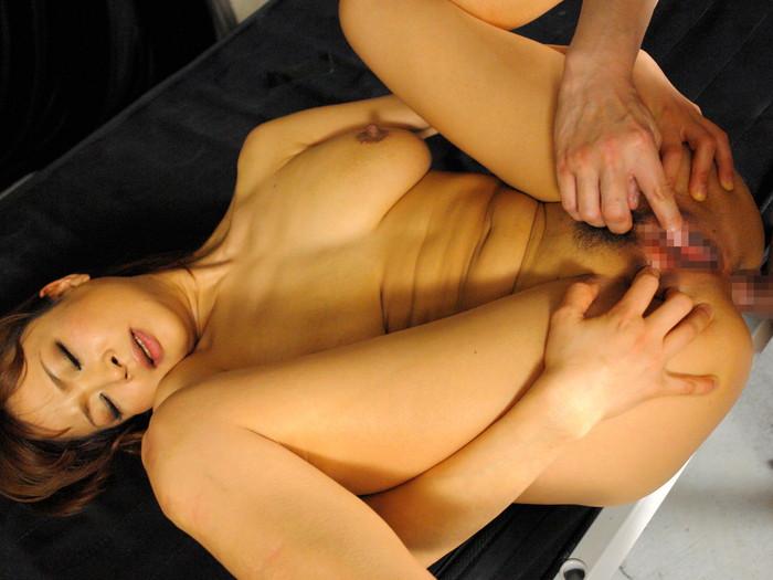 【アナルセックスエロ画像】卑猥すぎるアナルセックス!尻の穴でも感じる女たち! 25