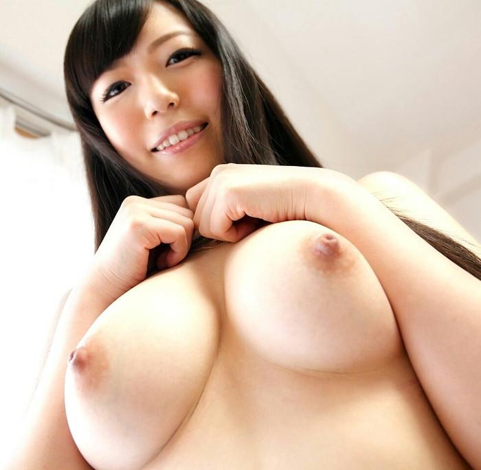 【巨乳エロ画像】神が与えた奇跡のおっぱい!美巨乳おっぱいの女たち! 15