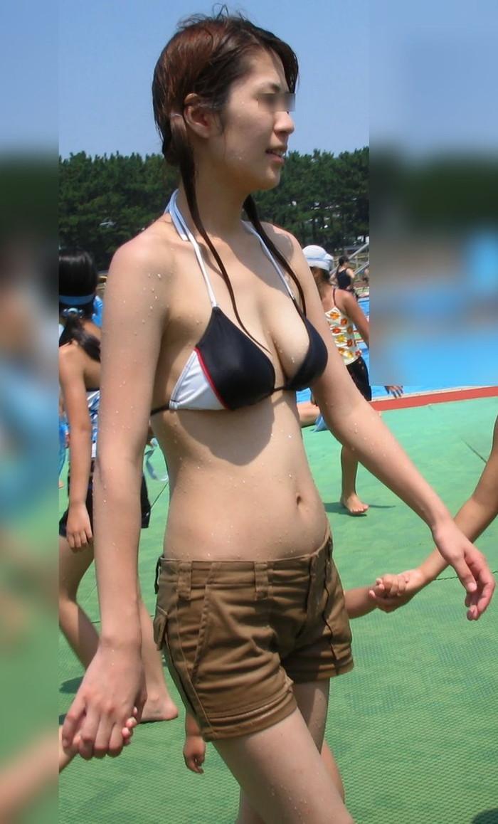 【素人水着エロ画像】ビーチで!プールではしゃく生々しい水着の素人娘! 16