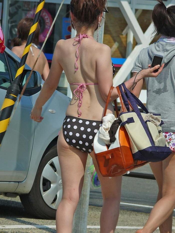 【素人水着エロ画像】ビーチで!プールではしゃく生々しい水着の素人娘! 18