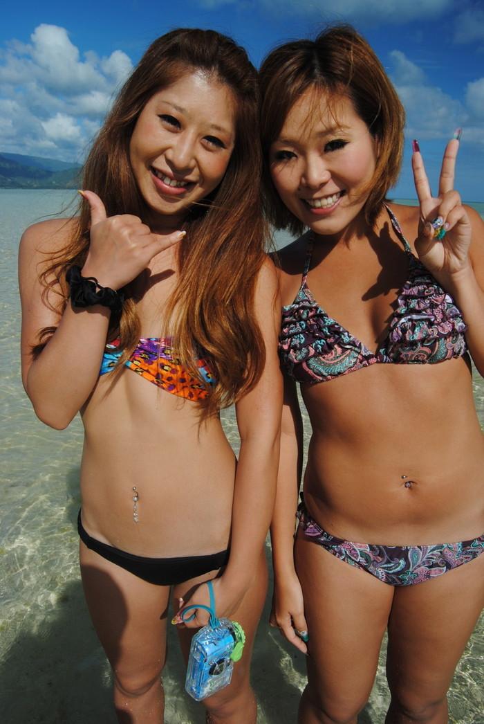 【素人水着エロ画像】ビーチで!プールではしゃく生々しい水着の素人娘! 19