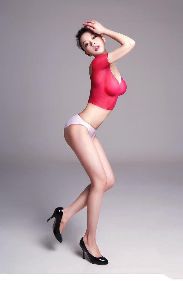 【ボディーペイントエロ画像】一見すると服着てるんだけど、これって全裸だよ!ってやつw 07