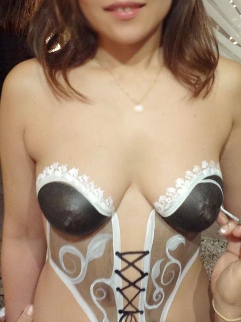 【ボディーペイントエロ画像】一見すると服着てるんだけど、これって全裸だよ!ってやつw 19