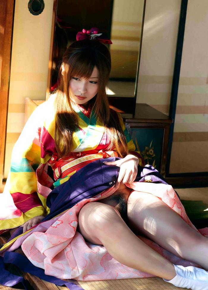 【和服エロ画】和服姿の日本人女性の艶かしい姿にフル勃起確定! 02
