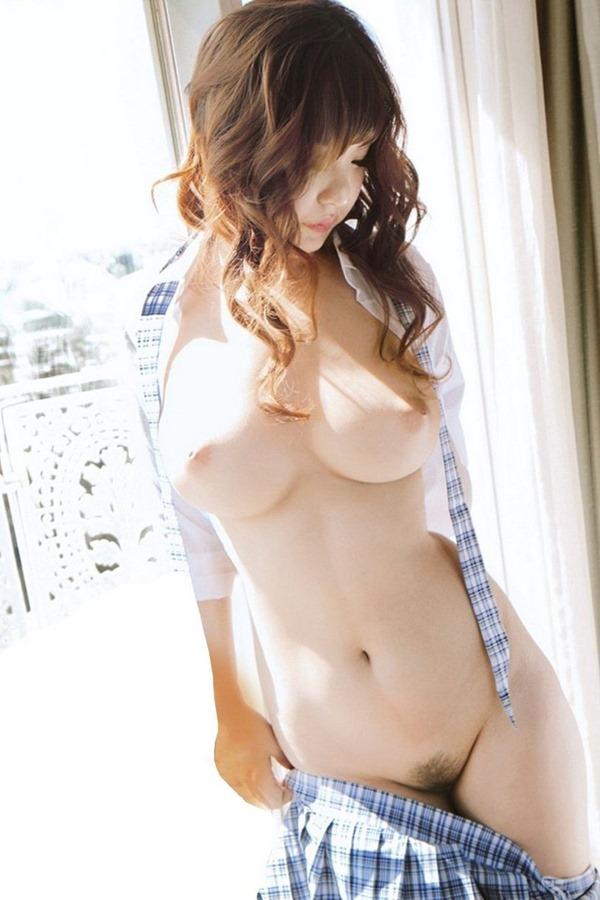 【美乳エロ画像】誰にでも愛されるおっぱいと言えば、やっぱり美乳! 05