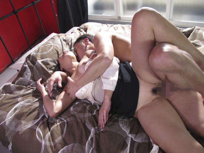 【着衣セックスエロ画像】着衣を残したままでハメ捲くれ!着衣セックスw 25