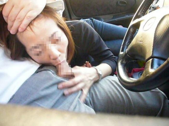 【カーセックスエロ画像】車内でセックス!カーセックスってやったことあるか? 03