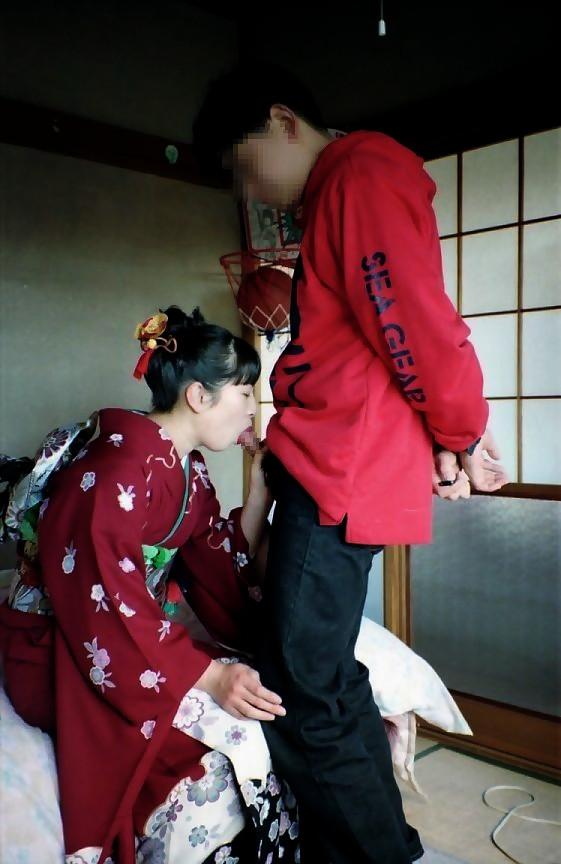 【和服エロ画像】日本の心といえば和服!和服姿でセックスする日本人女性! 12