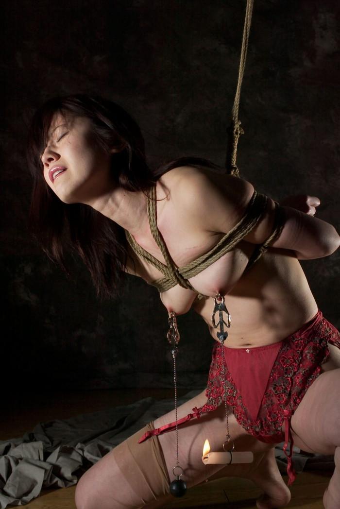 【SM緊縛エロ画像】女の子が緊縛されている姿に勃起するやつちょっと来い! 15