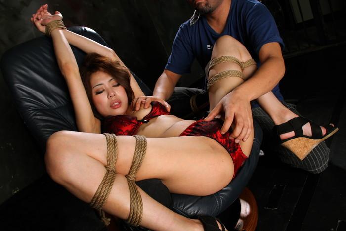 【SM緊縛エロ画像】女の子が緊縛されている姿に勃起するやつちょっと来い! 24