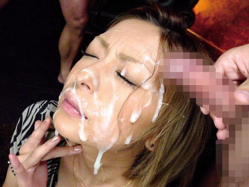 【顔射エロ画像】女の子の顔がザーメンまみれになってて草w