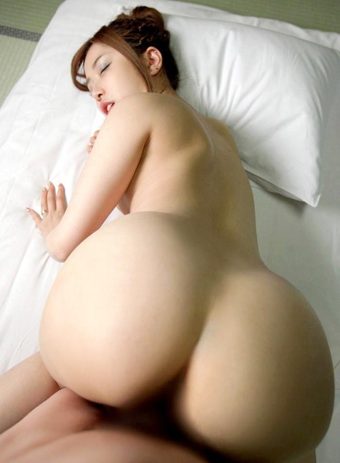 【バックエロ画像】女の子の尻と結合部を眺めてセックスする体位がコチラww 26