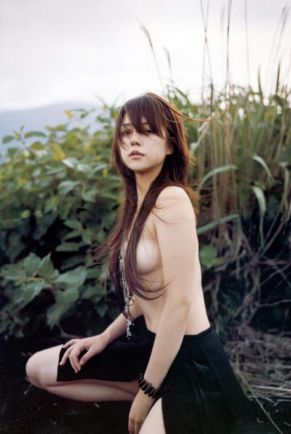 【髪ブラエロ画像】乳首だけは見せられないの!髪の毛で隠させてね!w 19