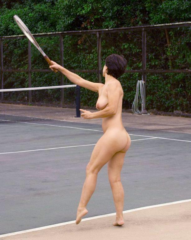 【全裸スポーツエロ画像】全裸で開放感たっぷりのスポーツとか草www 09