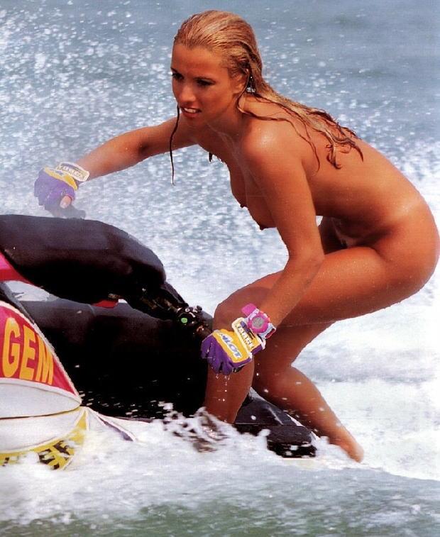 【全裸スポーツエロ画像】全裸で開放感たっぷりのスポーツとか草www 12