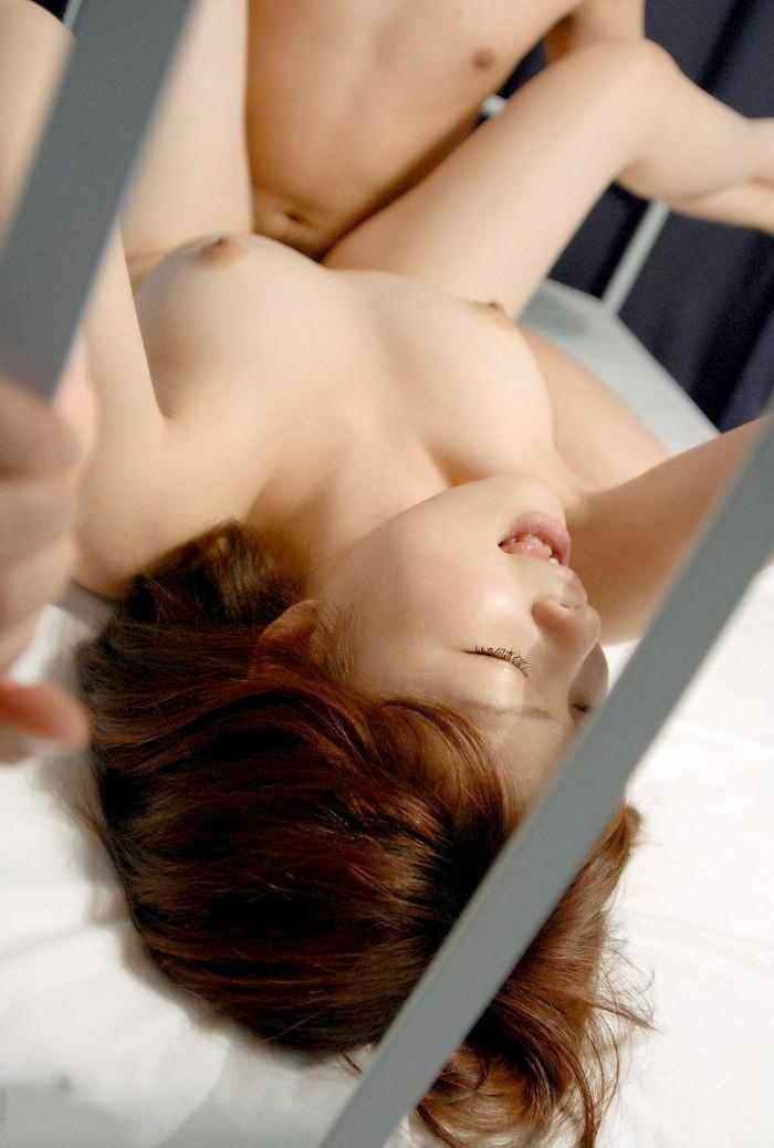 【正常位エロ画像】セックス経験者ならだれでも経験している体位がコチラw 19