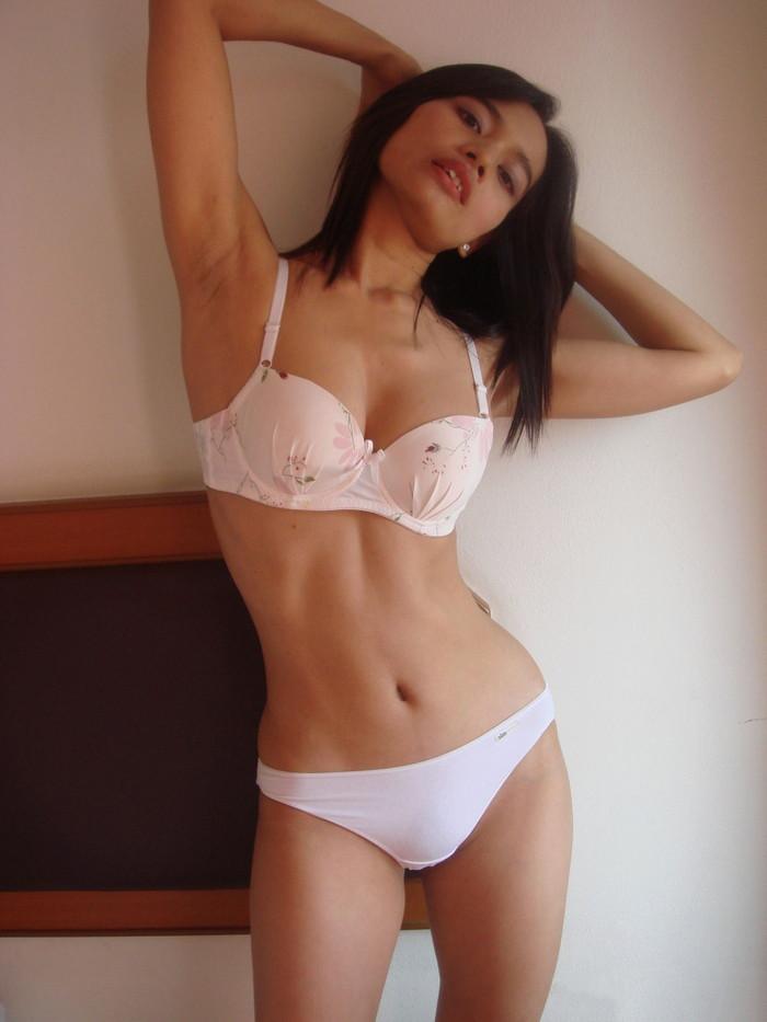 【アジアンエロ画像】この風貌、まさにアジアンビューティー!アジアン女性 25