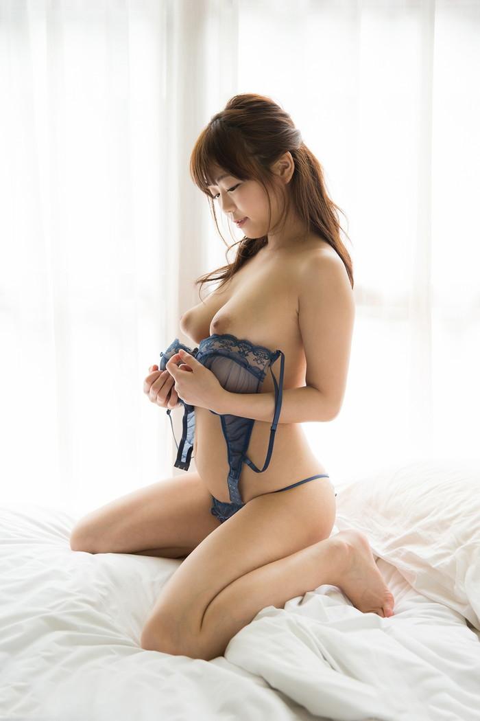 【羽咲みはるエロ画像】元アイドルがまたまたAVへ転進!やる気満々の意気込み語るw 23