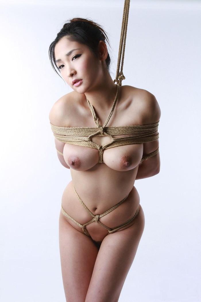 【SM緊縛エロ画像】拘束された女の子たちのあられもない姿に勃起は必至! 13