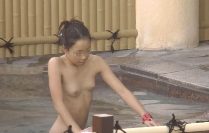【女風呂盗撮エロ画像】これが見たかった!女風呂の内部を盗撮したったwww 26