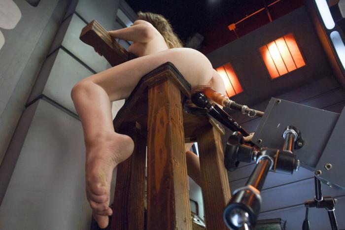 【ファッキングマシーンエロ画像】※衝撃!人間と機械のセックスってこんな感じか!?w 10
