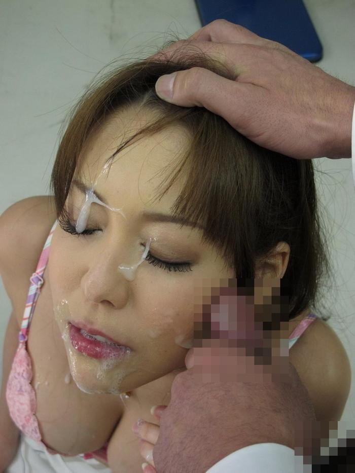 【顔射エロ画像】卑猥すぎる!女の子の可愛い顔がザーメンでドロドロだ! 03