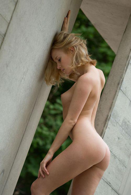 【白人エロ画像】美しすぎる白人女性たちのヌード画像がめっちゃ抜ける! 06