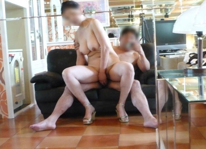 【素人鏡撮りエロ画像】鏡を利用して自分たちのセックスを記録する素人カップル! 07