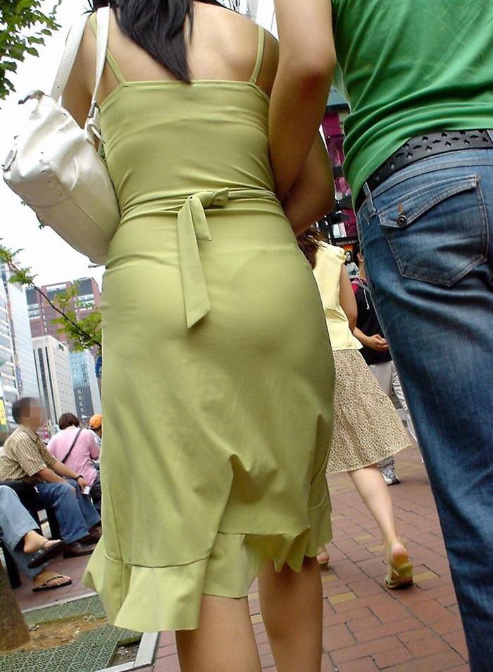 【着衣透けエロ画像】これは透視!?着衣が透けてしまっている素人娘たち! 12