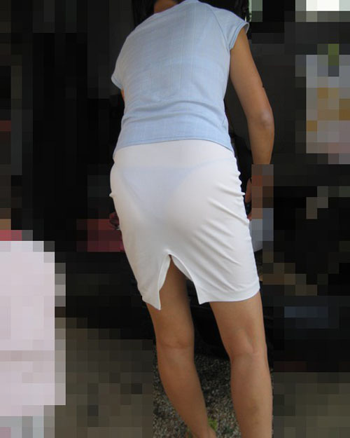 【着衣透けエロ画像】これは透視!?着衣が透けてしまっている素人娘たち! 13