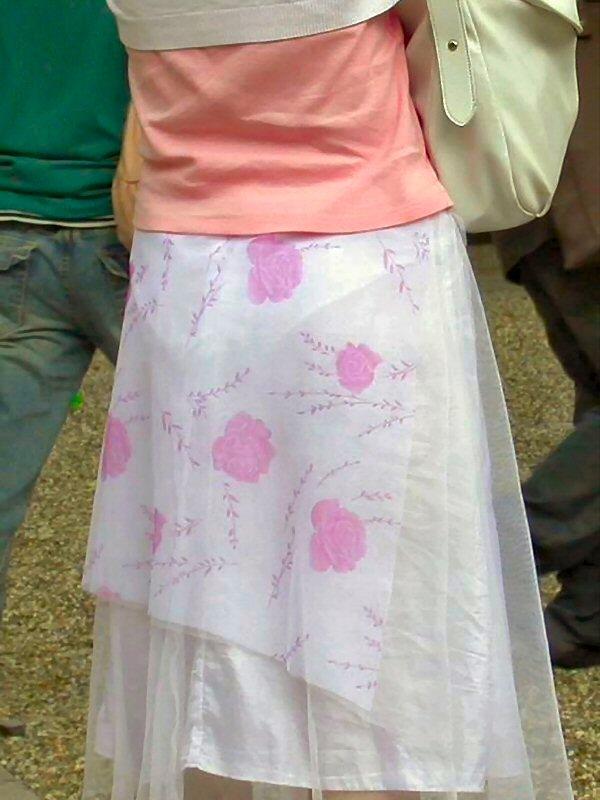 【着衣透けエロ画像】これは透視!?着衣が透けてしまっている素人娘たち! 14