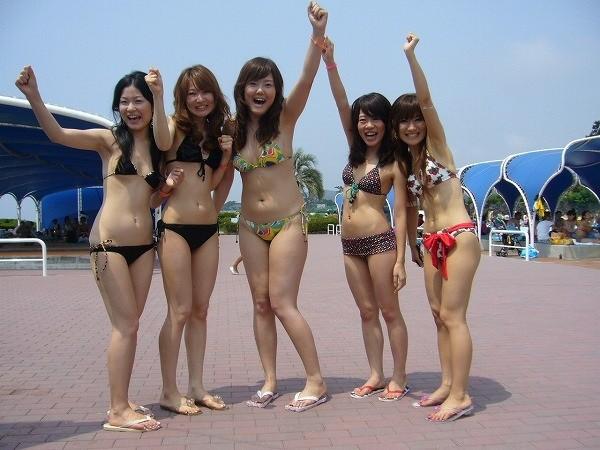 【素人水着エロ画像】素人娘の水着姿に勃起するやつちょっと来い!www 14