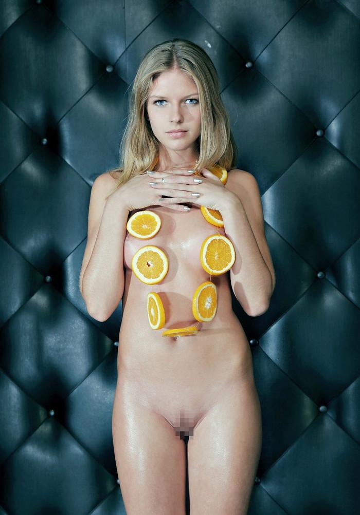 【ロシアンエロ画像】真っ白な肌のロシア人女性たちの芸術のようなエロ画像! 01