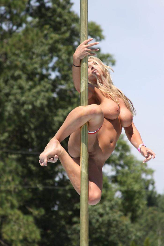 【ポールダンスエロ画像】目の前で大開脚するポールダンスってエロ杉!www 06