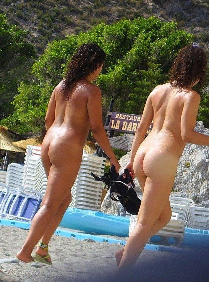 【ヌーディストビーチエロ画像】勃起したらマナー違反のヌーディストビーチ! 11