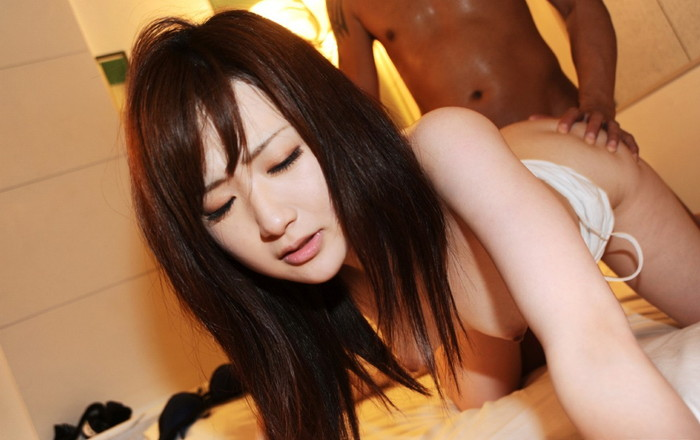 【バックエロ画像】後ろからチンポを挿入されて感じる表情のエロい女たち! 27
