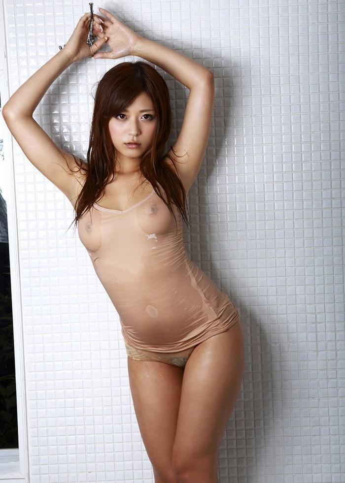 【濡れ透けエロ画像】女の子の着衣が濡れて透け透けになつている件! 13